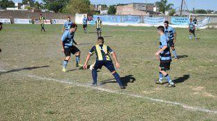 Liga Santafesina: El Quillá goleó a Universidad y quedó como único líder
