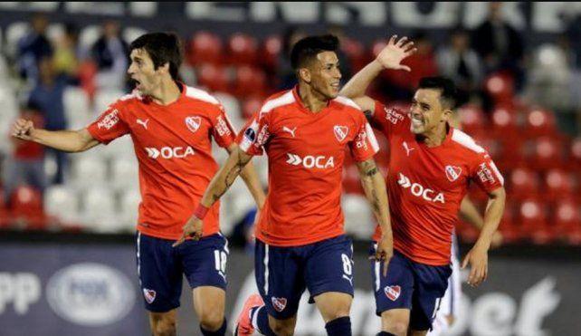 Independiente pisa Paraguay para traerse una buena ventaja