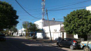 Una municipalidad santafesina demandará a una telefónica por un poste a punto de caer