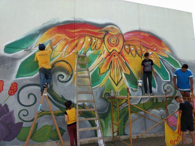 Bº René Favaloro: un mural logró unir a los jóvenes y limar asperezas