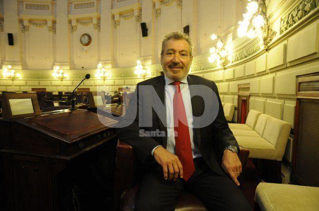Daniel Vila. Es director del Grupo América y presidente del directorio del diario La Capital de Rosario.