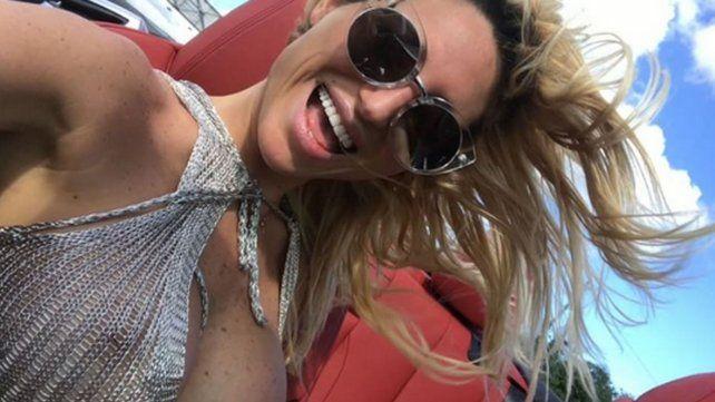 Las desopilantes fotos de Vicky Xipolitakis haciéndose una mascarilla de barro