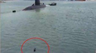 La emocionante historia del perro que nadó para alcanzar al submarino