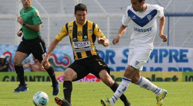 Vélez y Olimpo se enfrentan con la mira directa en el promedio