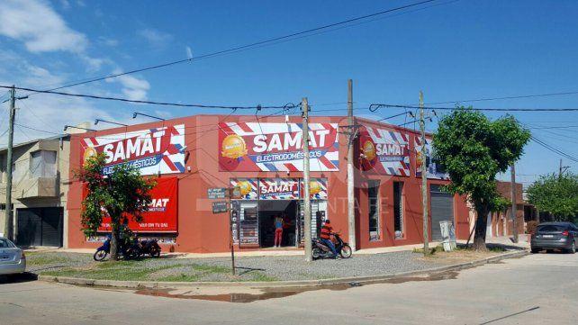 En avenida Peñaloza rompieron la vidriera y robaron en una casa de electrodomésticos