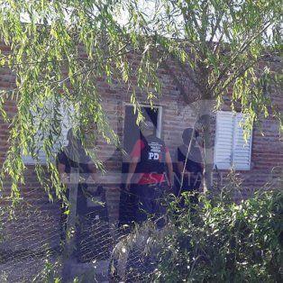 santo tome: tres allanamientos con tres narcos presos por la venta barrial de drogas
