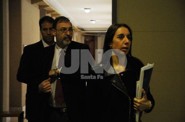 Acusadores. Los fiscales Ferraro y Nessier son quienes piden 16 años de prisión para el imputado.