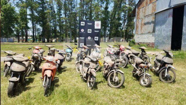En el depósito municipal de Santo Tomé identificaron 22 motos robadas