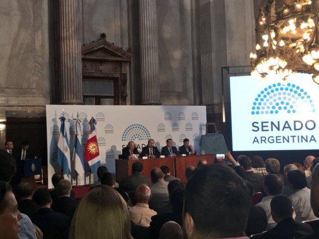 El Senado de la Nación distinguió a Horacio Muratore, actual presidente de FIBA