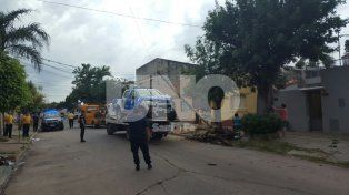 Persecución y violento choque de un patrullero con dos policías heridos