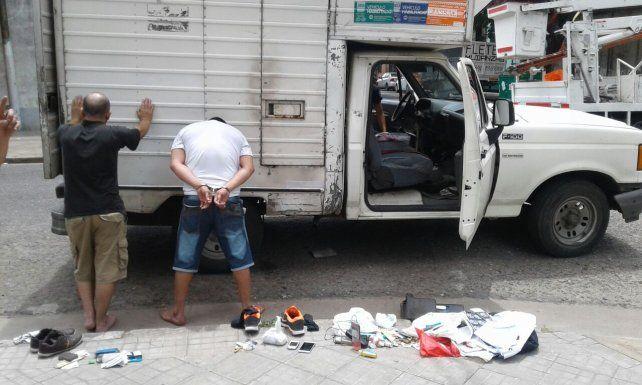 Cayeron presos por conducción temeraria y les secuestraron más de 190 gramos de cocaína