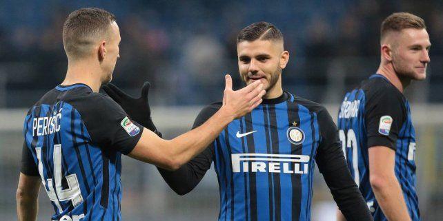Con un gol de Icardi, el Inter llegó a la cima del Calcio
