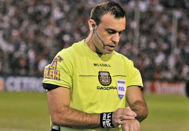 Está el árbitro para la despedida de Colón en la Superliga