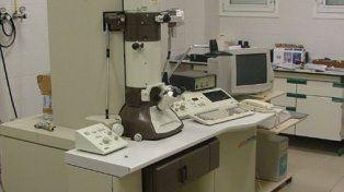 Presentan en Conicet un microscopio de alta potencia que costó 8 millones de pesos