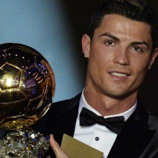 cristiano ronaldo sumo su quinto balon de oro