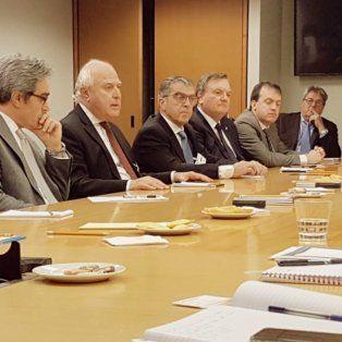 Comitiva. El gobernador, junto a los legisladores que lo acompañaron a Estados Unidos.