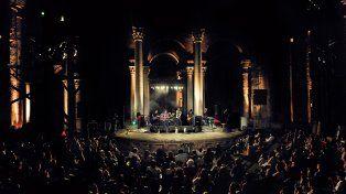 El show en el Patio Catedral permitió conectar generaciones a través de la música