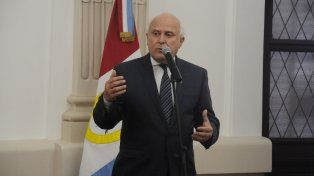 lifschitz confirmo aumento de 1,1% para estatales por clausula gatillo