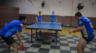 Jornada final de la Liga Dos Orillas de tenis de mesa