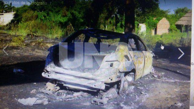 El auto de Daniel Passarella quedó hecho cenizas tras incendiarse en la ruta 1