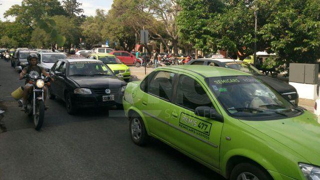 Los taxistas se reunirán en el Parque Federal para hablar de la situación del sector