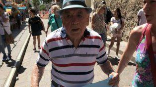 Ejemplar: tiene 82 años y se recibió de abogado