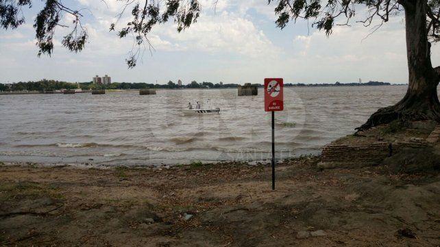Buscan en la laguna Setúbal a un joven que se tiró al agua, salvó a una mujer y desapareció