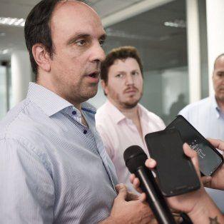 Respaldo. Corral y Angelini (diputado y presidente del PRO en la provincia), salieron en apoyo del proyecto nacional.