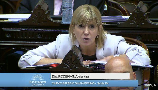 El blooper de una diputada santafesina para rechazar la reforma previsional