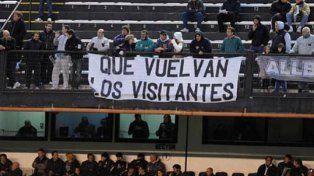 Primer paso para la vuelta de los visitantes al fútbol argentino