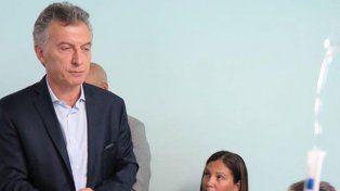 El desafortunado chiste de Macri al policía que lucha por no perder su ojo