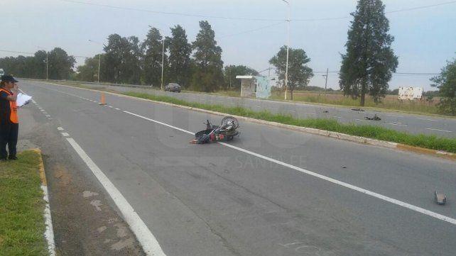 Un motociclista murió tras chocar contra un auto en el acceso a Hersilia