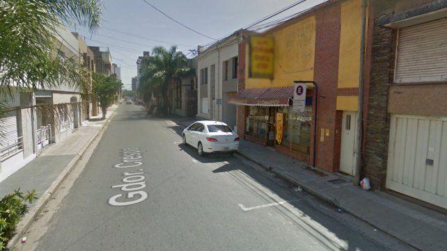 Un hombre denunció a una mujer que le robó miles de pesos en un motel