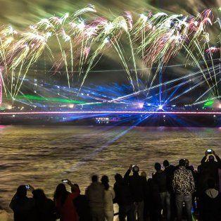 se realizara una nueva edicion de la noche de los deseos en la costanera santafesina