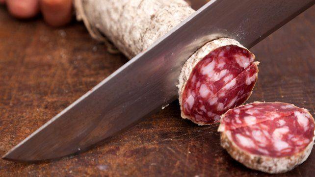 Prohibieron la elaboración y comercialización de un salamín picado grueso
