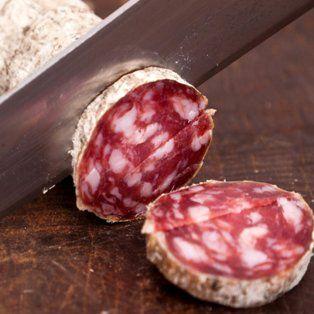 prohibieron la elaboracion y comercializacion de un salamin picado grueso