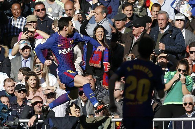 Messi cierra 2017 como máximo goleador del planeta y dos nuevos récords