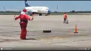 Papá Noel guió un aterrizaje en Córdoba