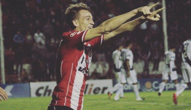 Vélez se llevó a un jugador pretendido por Colón