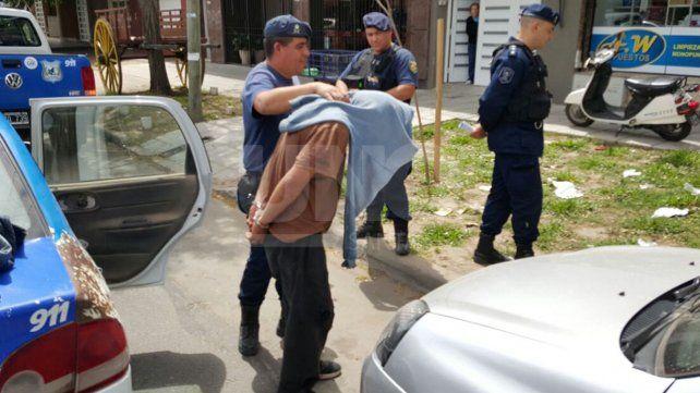 Detuvieron a un hombre que contaba con captura por un homicidio tras una violenta pelea