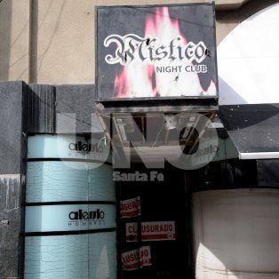Fue cerrado. El bar whiskería funcionaba en San Martín al 2700, en plena peatonal santafesina.