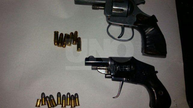 Sorprendido y aprehendido con tres armas de fuego cargadas en pleno centro