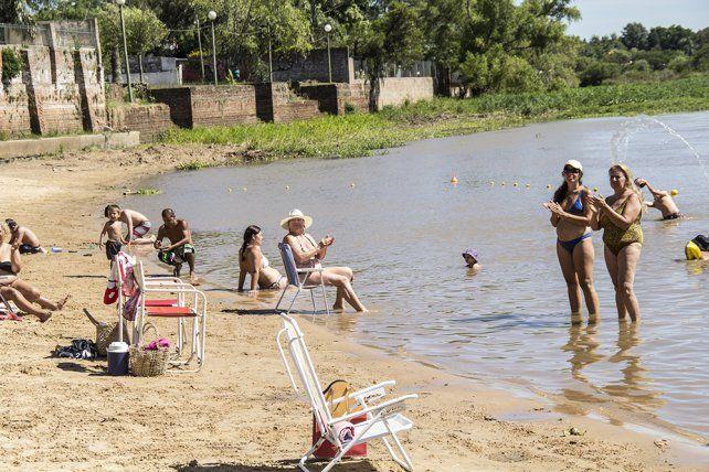 Verano.Los rinconeros disfrutan del renovado espacio recreativo