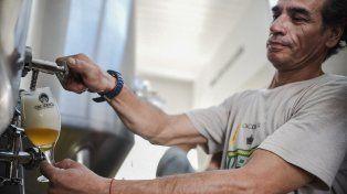 un emprendimiento de cerveza artesanal local crece y planea instalarse en los poligonos