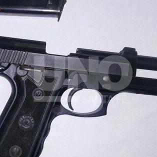 investigan a un policia tras el ingreso de un adolescente herido de bala en el cullen