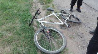Murió un ciclista en un violento choque contra un automovilista en Timbúes