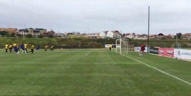 ¡Tremendo gol de tiro libre del Droopy Gómez!