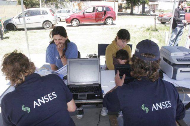 La unidad móvil de la Ansés llega esta semana al Polideportivo La Tablada