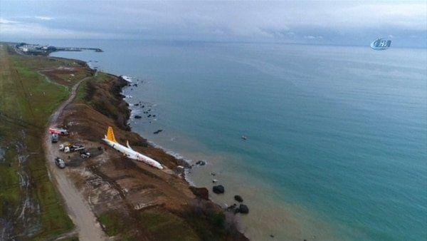 Video: impactante despiste de un avión con 162 pasajeros por un acantilado