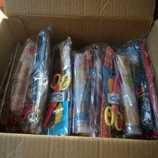 juntan kits escolares para la escuela san martin de porres de barrio la loma